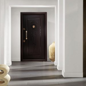 درب ضد سرقت مدل A402 در نمای نصب شده در خانه